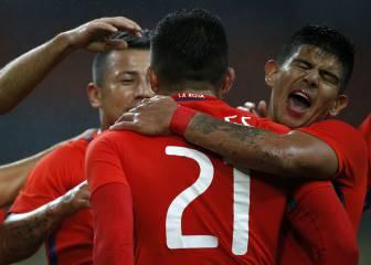 1 x 1: Eduardo Vargas debió luchar contra su falta de fútbol