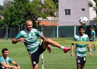 Santiago Silva se desvincula de Banfield y allana su arribo a la UC