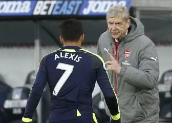 Wenger utilizó su ironía para explicar renovación de Alexis