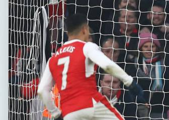Alexis le dio un dramático triunfo a Arsenal que queda segundo