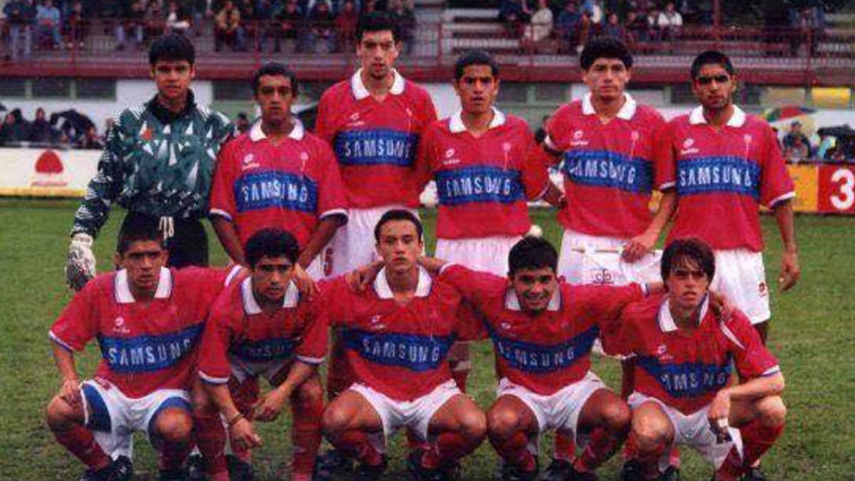Colo Colo venció a Universidad Católica en el clásico y se acercó al líder
