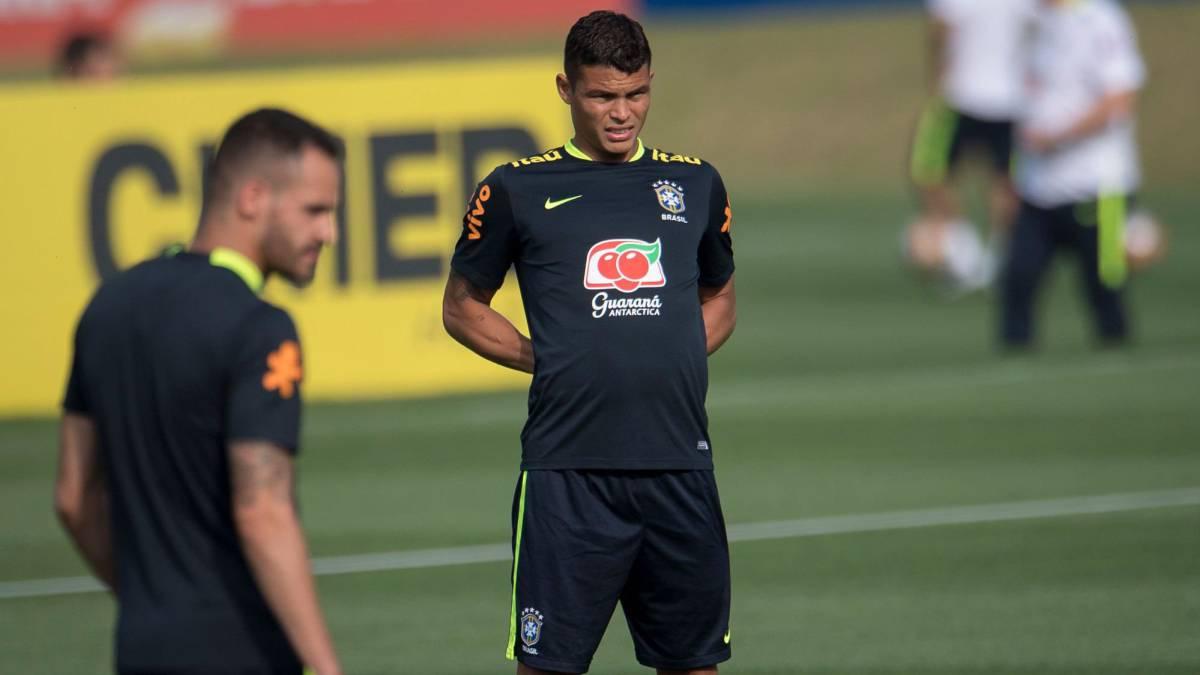 Thiago Silva se lesionó y podría quedar fuera del compromiso contra Chile