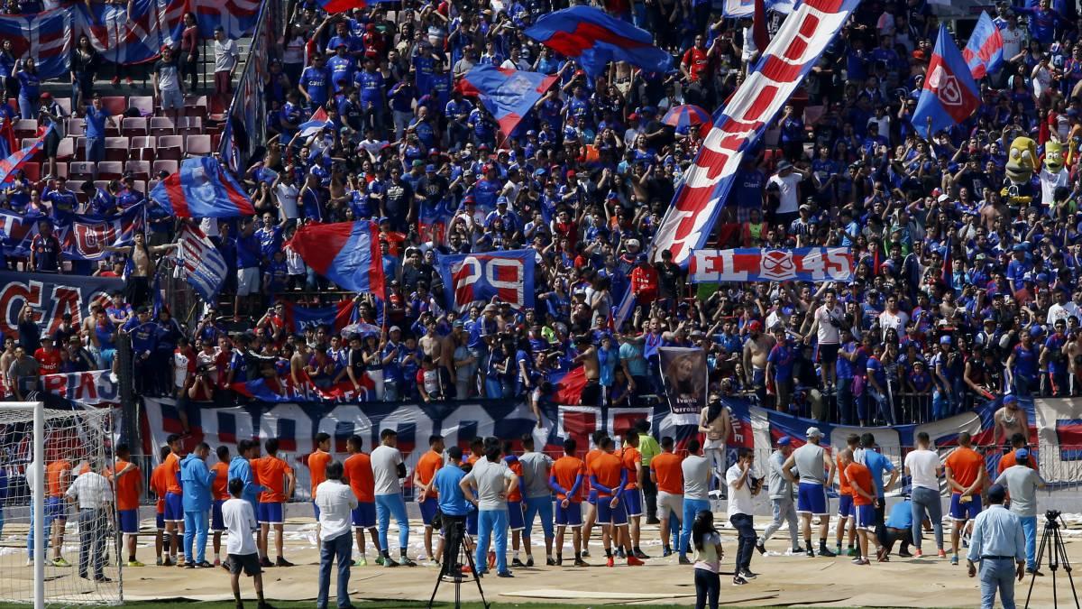Hincha de Universidad de Chile muere tras asistir a banderazo