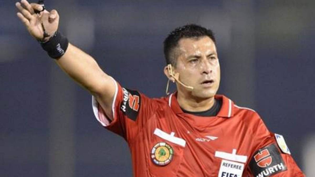 Julio Bascuñán arbitrará la final de ida de la Copa Libertadores