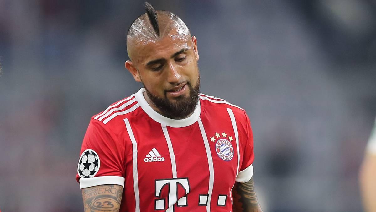 'Rey' Arturo logró anotar en la victoria del Bayern sobre Augsburgo