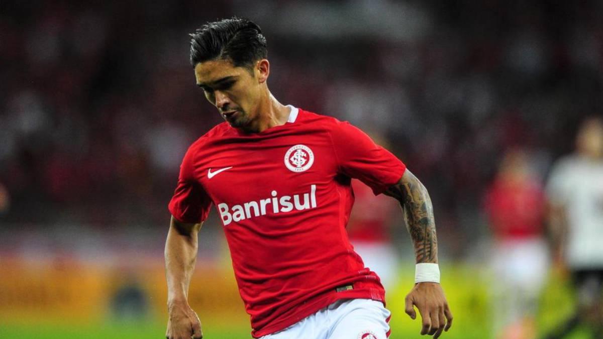Felipe Gutiérrez asciende en el Brasileirao con el Inter de Porto Alegre