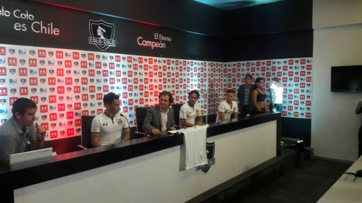 FOTOS | Colo Colo presentó su nueva camiseta para el 2018