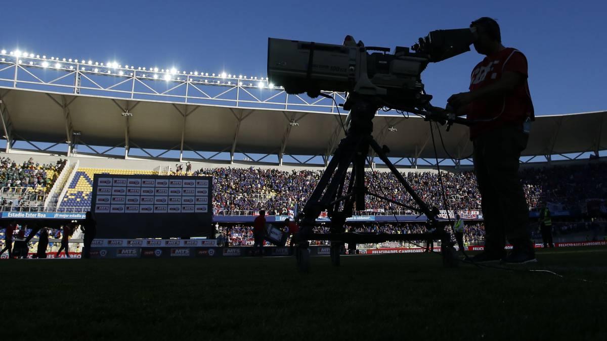 Turner se quedó con la televisación del fútbol chileno