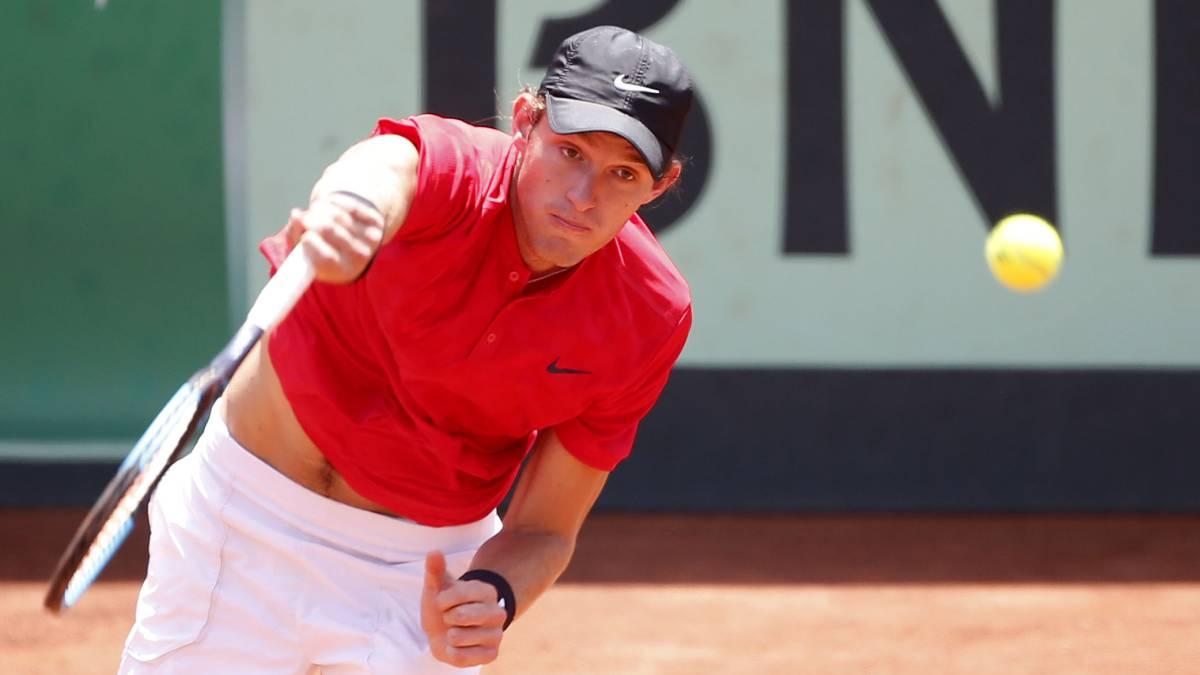 Nicolás Jarry debuta con sufrida victoria en el ATP de Quito