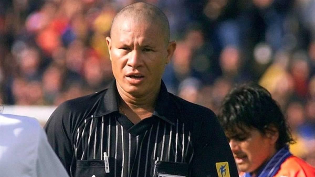 Fallece Lucien Bouchardeau, el polémico árbitro del Italia-Chile en Francia 1998