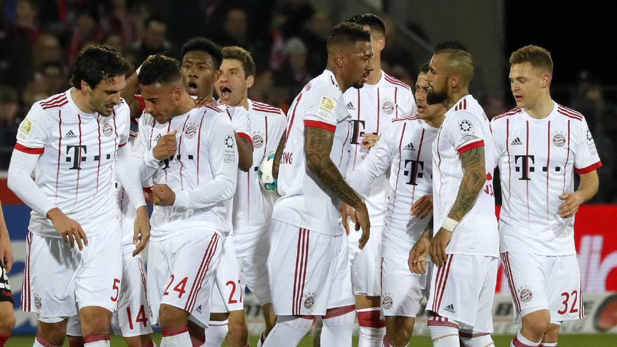 Bayern Munich goleó a Hamburgo con hat-trick de Robert Lewandowski