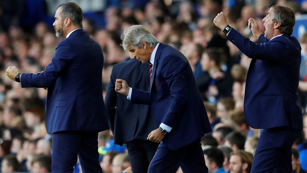 ¡Mal y de malas! Descartaron a 'Chicharito' para jugar con West Ham