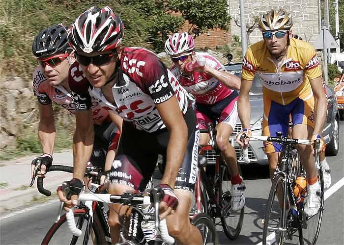 Luis Pérez gana y Menchov aguanta los ataques de Sastre