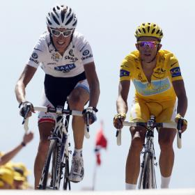 http://www.as.com/recorte/20090725dasdascic_1/C280/Ies/Andy_Schleck_Contador_caballero.jpg