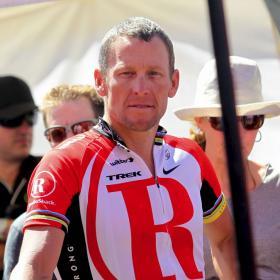 El entorno de Armstrong desliza un hipotético retorno en la Vuelta