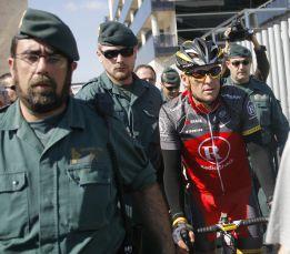 Lance Armstrong confesaría para no terminar en la cárcel