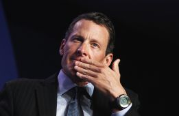 Armstrong pide perdón a su fundación antes de confesar