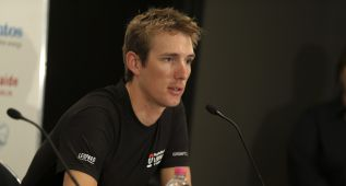 Andy Schleck cree que &quot;Lance corri limpio tras su reaparicin&quot;