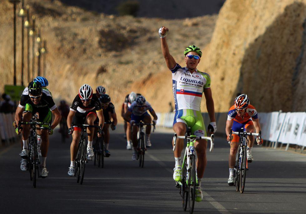 Sagan gana y Schleck acaba una carrera 312 días después