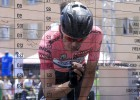 Rigoberto Urán inicia la defensa de su maglia rosa en Oropa