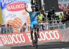 De escudero de Nibali a líder debido a la caída de Scarponi
