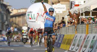 Dan Martin gana en Lombardía y Valverde accede al número uno