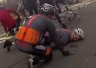 """Bono se partió """"la cara y el brazo"""" en un accidente de bicicleta"""