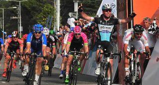 Cavendish se desquita ante Gaviria y Díaz gana la general