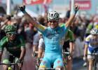 Andrea Guardini, Astana, gana el esprint y es el primer líder