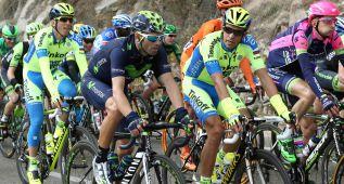 Valverde vence en un repecho a su propio compañero Rojas