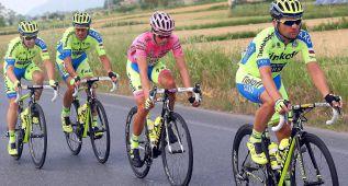 Caída de Contador en el sprint final: venció André Greipel