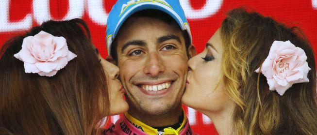Contador pierde la maglia rosa tras caerse en una montonera