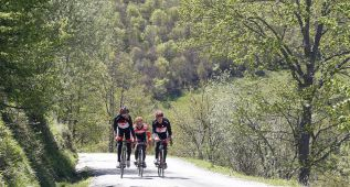 De las 94 etapas con meta en Asturias, 49 fueron en alto