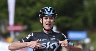 El Sky rodea a Chris Froome de escaladores para el Tour