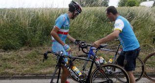 Los favoritos del Tour 'tunean' las bicicletas para las piedras