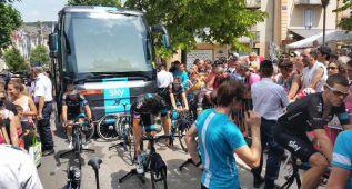 Cinco gendarmes custodiaron el bus del Sky en Mende