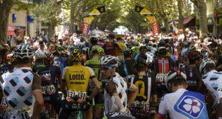 El Tour hace un homenaje a las víctimas de Germanwings