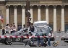 Alarma en el Tour: la policía dispara a un coche sospechoso
