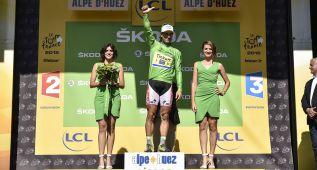 Ana y Carmen: las azafatas del maillot verde son españolas