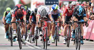 Viviani gana la primera etapa y es líder del Eneco Tour