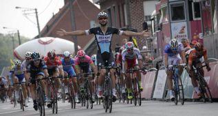 Tom Boonen gana la tercera etapa del Eneco al sprint