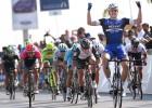 Marcel Kittel vence a Cavendish al sprint y es el primer líder