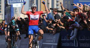 Kittel se corona en Dubai y Lobato se sube al podio final