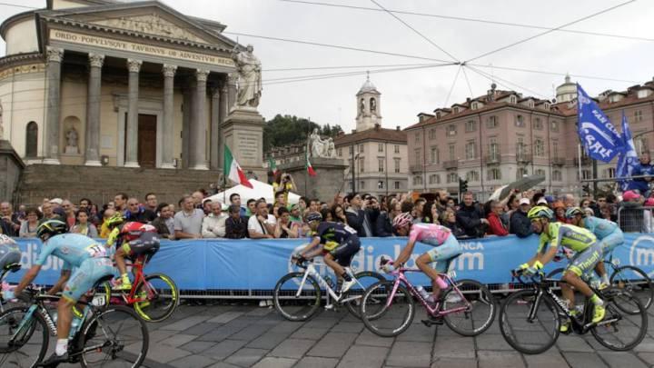 Nibali lució una bicicleta rosa para celebrar su Giro de Italia
