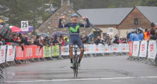 Nairo blinda el primer triunfo de Marc Soler como profesional