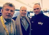 Alberto de Mónaco visita al Sky y a Chris Froome en Saint-Lô