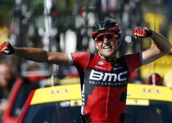 Contador cede medio minuto y Van Avermaet es nuevo líder