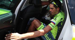 Las imágenes de Contador abandonando el Tour de Francia