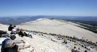 El Mont Ventoux se recorta seis kilómetros por culpa del viento