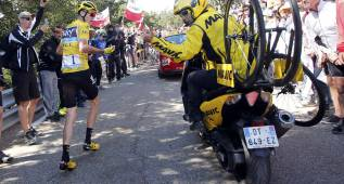 Sin una bici en meta, Froome pudo haber sido expulsado